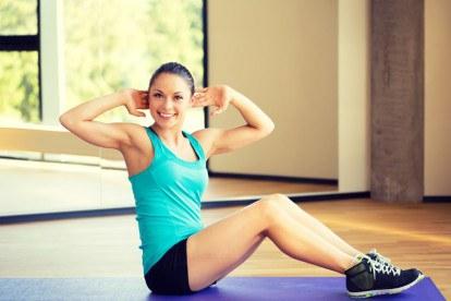 Bauchmuskeltraining im Fitnessstudio